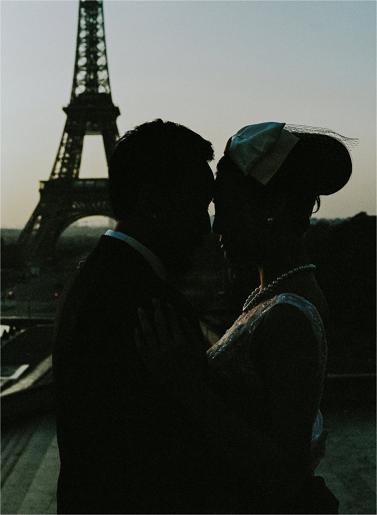 stylish engagement session in paris, france