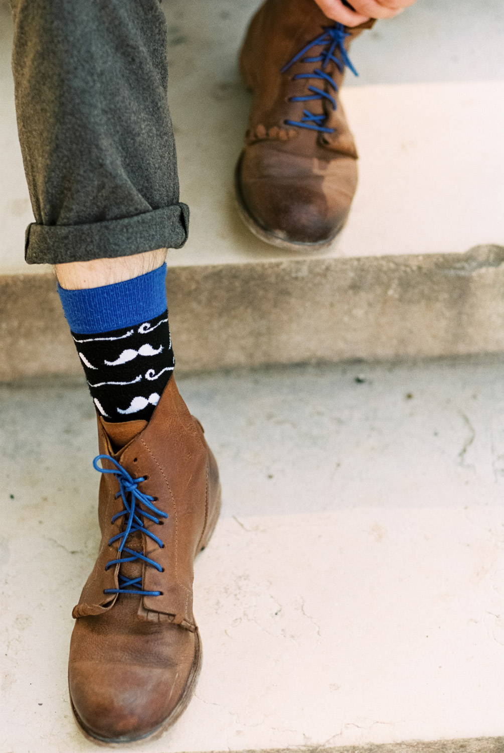 Funny socks, Pre wedding photographer Jardin du Luxembourg, Paris