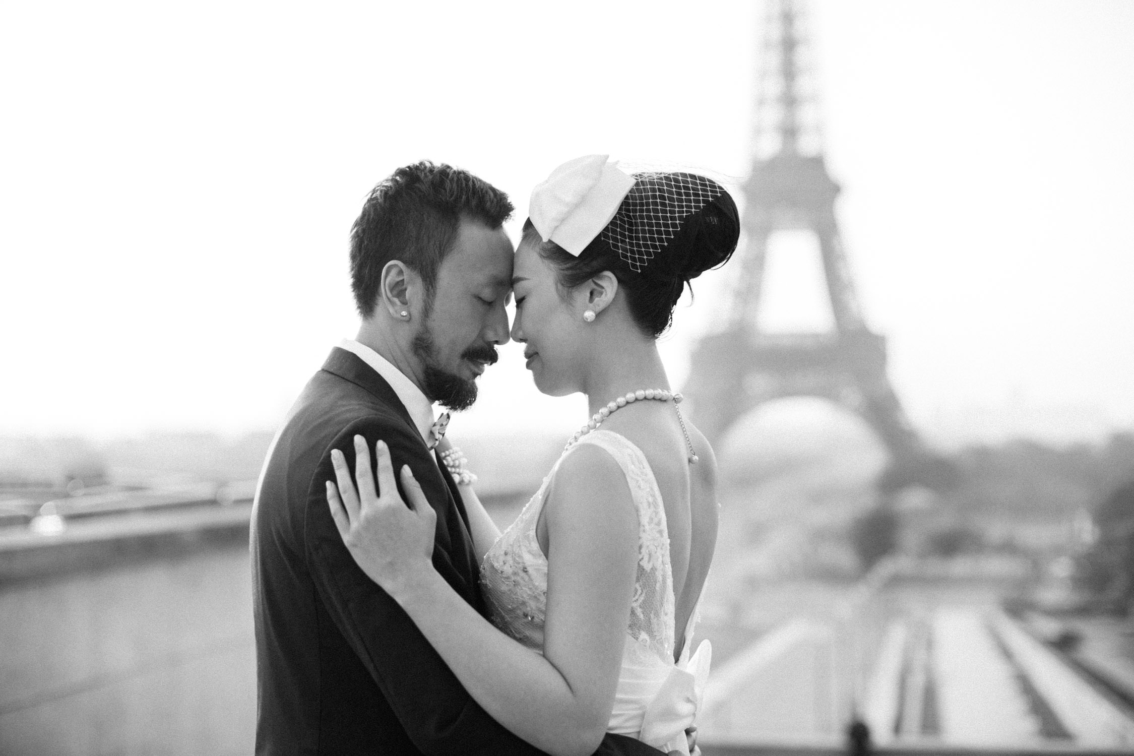 Pre wedding Paris, couple shoot on Trocadéro
