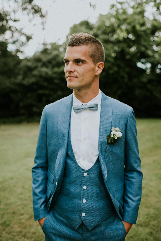 Bruidegom op huwelijk Kasteelhoeve, Avelgem